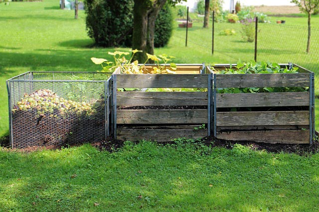 Eines vorweg ein rein mit gartenabf 228 llen best 252 ckter kompost der