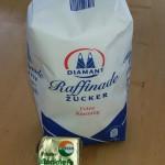 hefe und Zucker für Kompostbeschleuniger